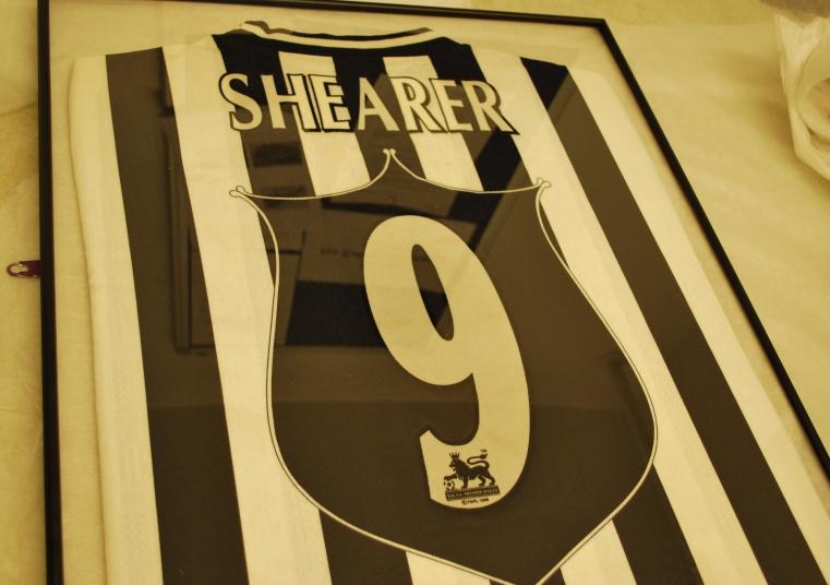 Framed Alan Shearer shirt