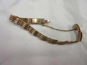 gold bracelet belonging to Jane Ellen Bell