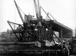 the construction of the Tyne Bridge