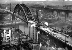 the construction of the Tyne Bridge