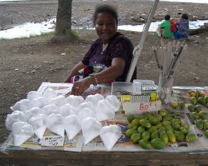 Vendor of betel nut supplies, PNG. Photo by yumievriwan. Licence: CC BY-NC-ND 2.0
