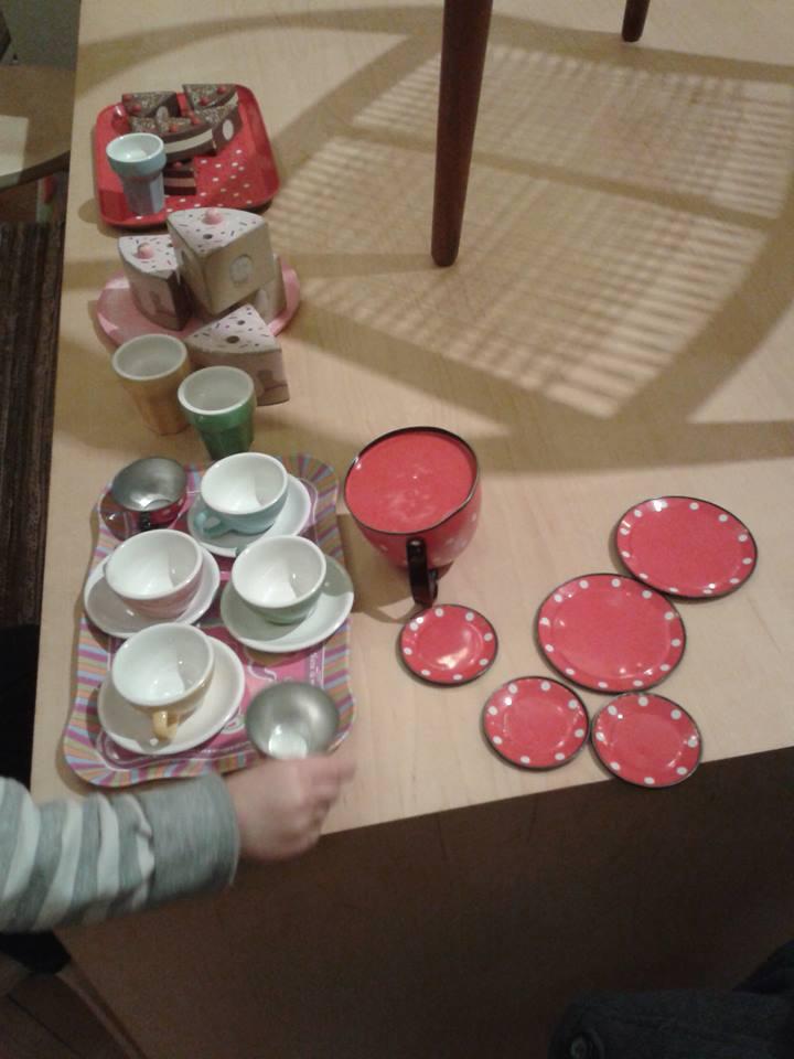 Curating a tea set