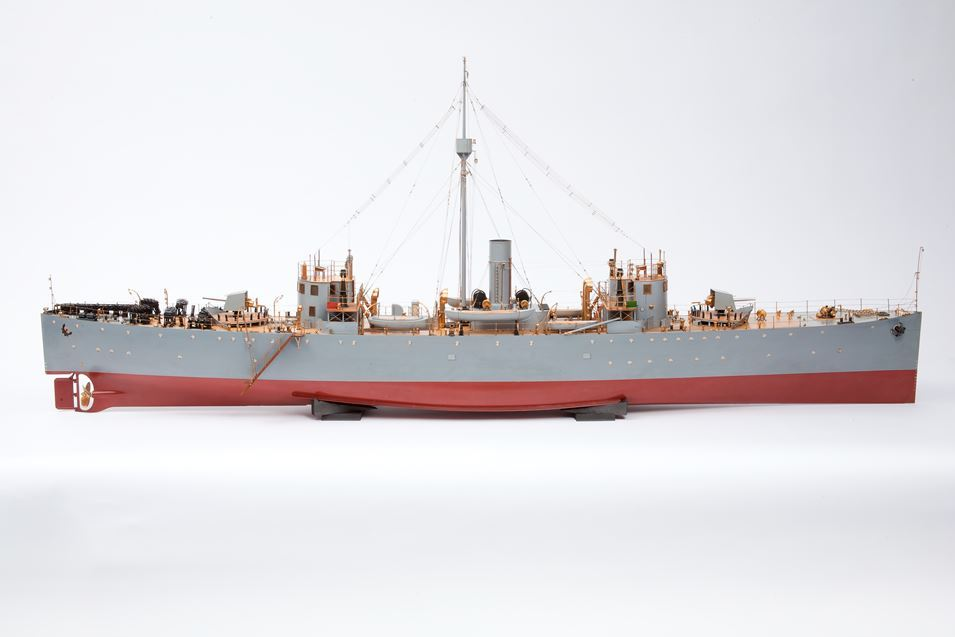 Photograph of starboard side of model of '24' class sloop HMS Ladas (TWCMS : B9666-a)