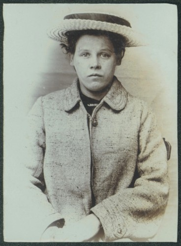 Ethel Penman, domestic servant, arrested for theft, 1906