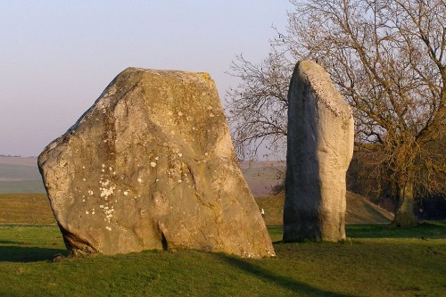 The two remaining stones at the Cove, Avebury henge, Wiltshire. Photo by JimChampion, 2008, Creative Commons Attribution-Share Alike 3.0 Unported, GNU Free Documentation License.