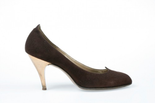 Court shoe, 1957-8. Suede, leather and metal, by Hutchings.